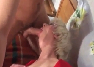 Busty mom in stockings is a skillful sucker