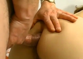 Fatty stepdaughter loves her perverted dad