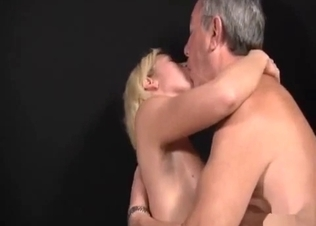 Dad with hard dong gets sucked by a slutty daughter